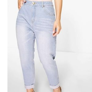 High waisted light washed mom jean, brand new !